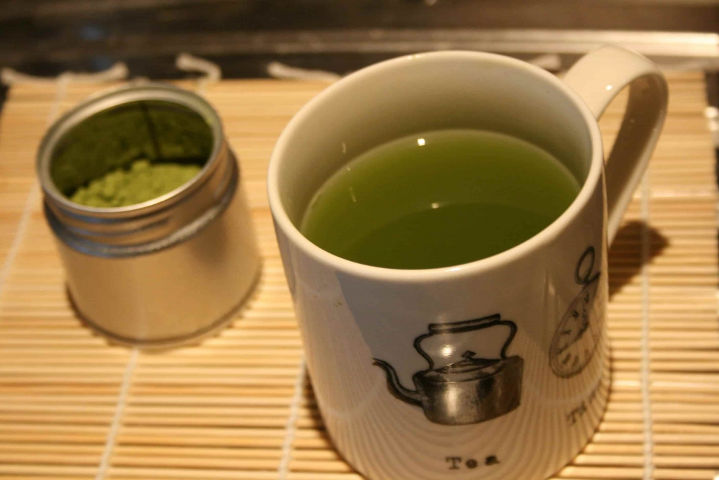 When I first started drinking matcha I was amazed at how much energy I had in the evenings in particular. It really changed how late I could stay up without feeling tired the next day.
