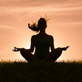 meditate-daily-Essential-morning-routine-healthy-habits