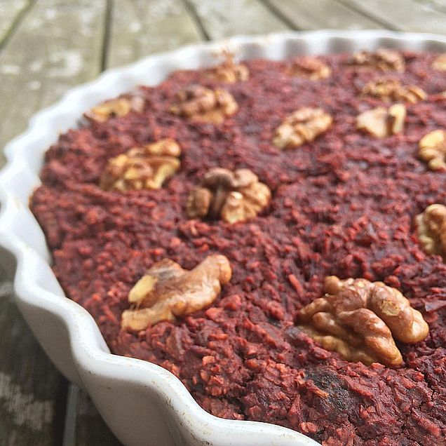 Beetroot chocolate baked oatmeal with raw cacao (gluten free)