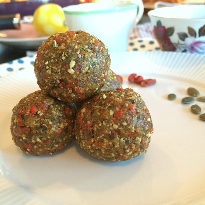 healthy-snacks-lemon-coconut-goji-berry-bliss-balls-7-min