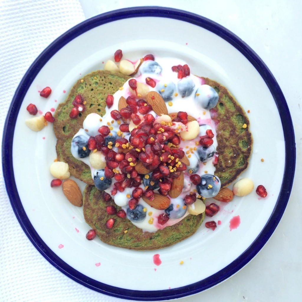 Spinach-pancakes-healthy-breakfast-toppings-G-sm-min
